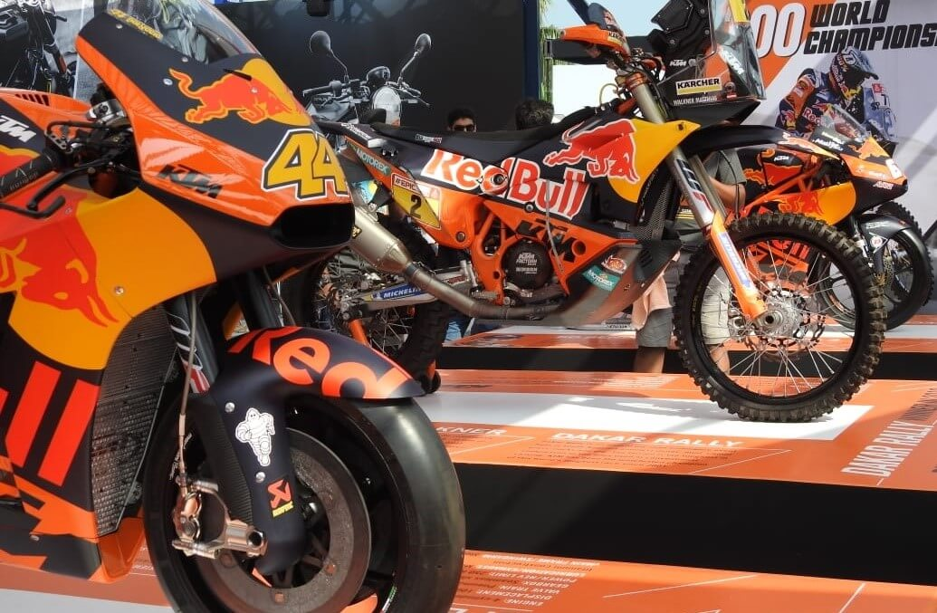 major motorcycle makers showcase their big bad toys-1