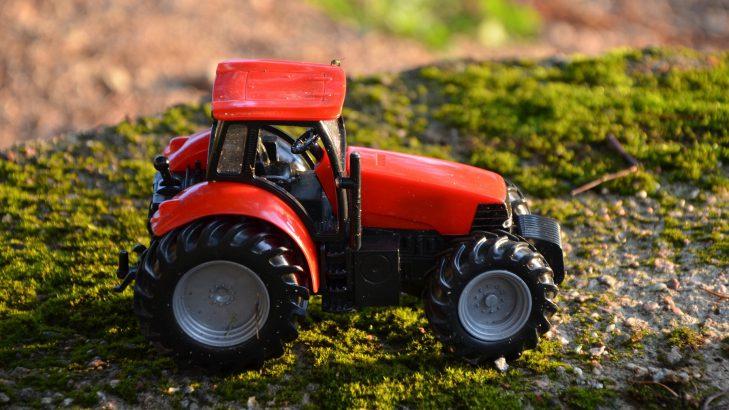 Buy Apollo Tractor tyres