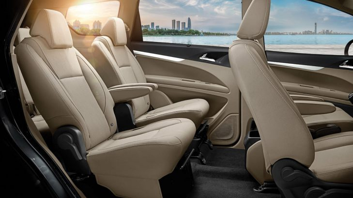 Mahindra Marazzo Seating Interiors